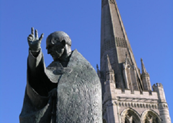 Statue of St Richard outside Chichester Cathedral. Reproduced with the permission of Chichester Cathedral.