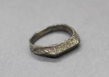 Thumbnail image of Group 5 - Silver-gilt finger ring - CHCDM:2009.6
