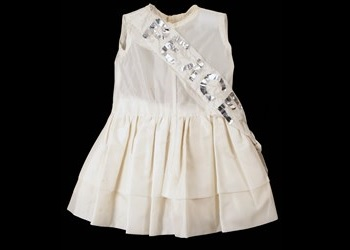 Ann Reed's Peace Dress (CHCDM:7877)